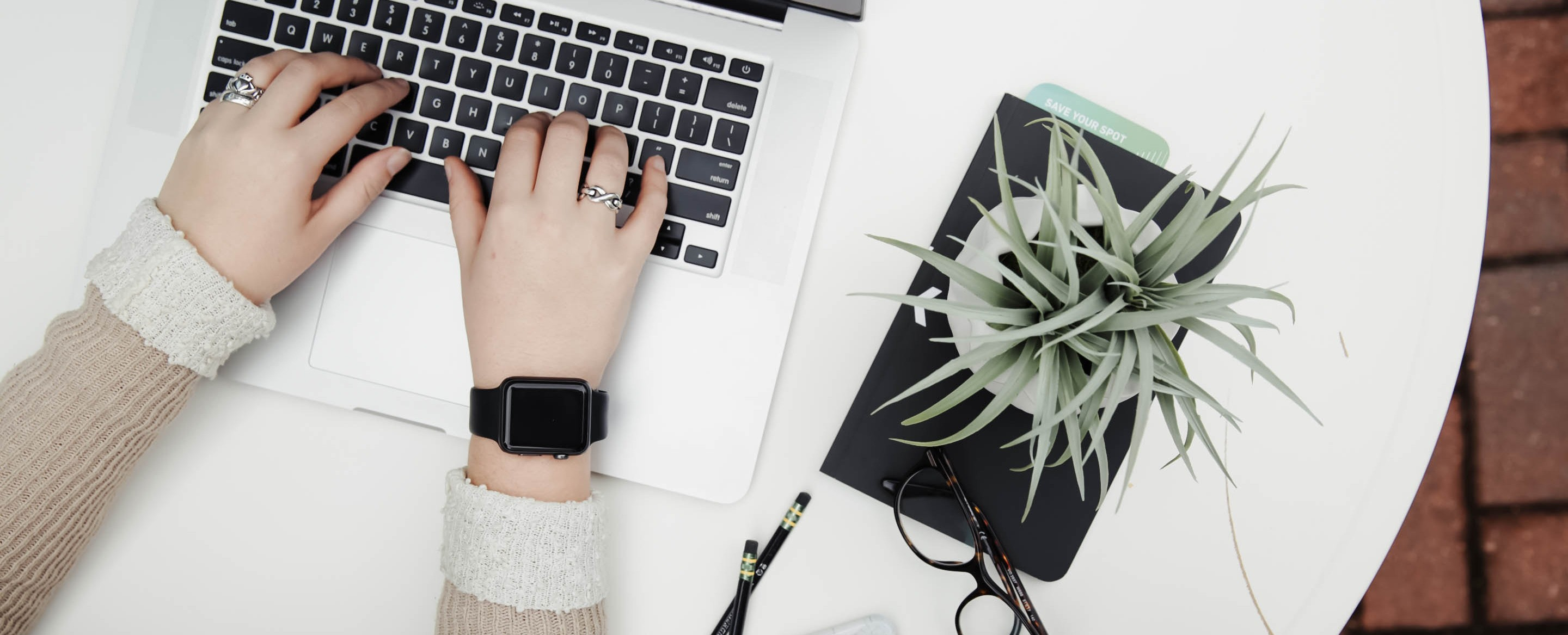 How A Social Media Manager Gets Through Any Day Like A Pro
