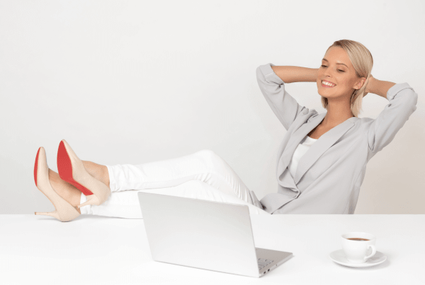 digital marketing freelancer woman relaxed working