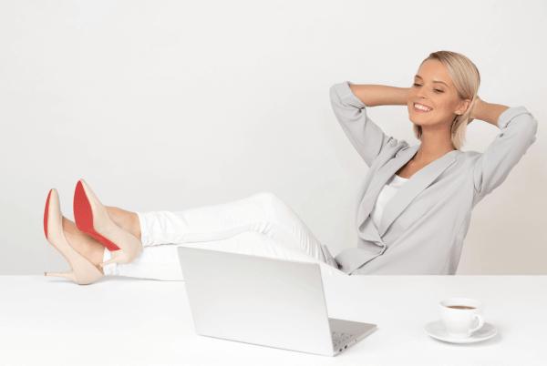 digital marketing freelancer woman relaxed working