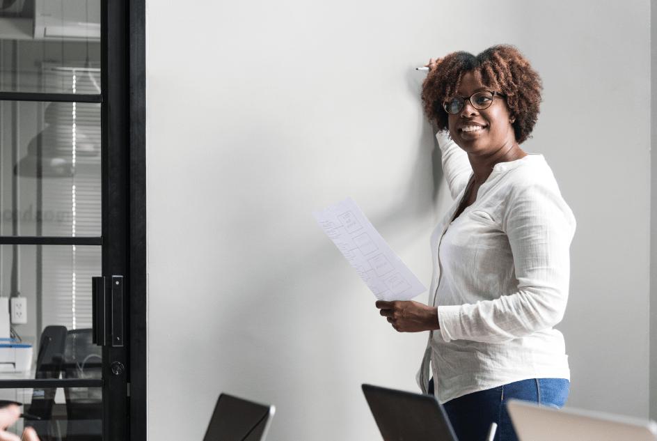 Woman brainstorming marker content marketing ideas