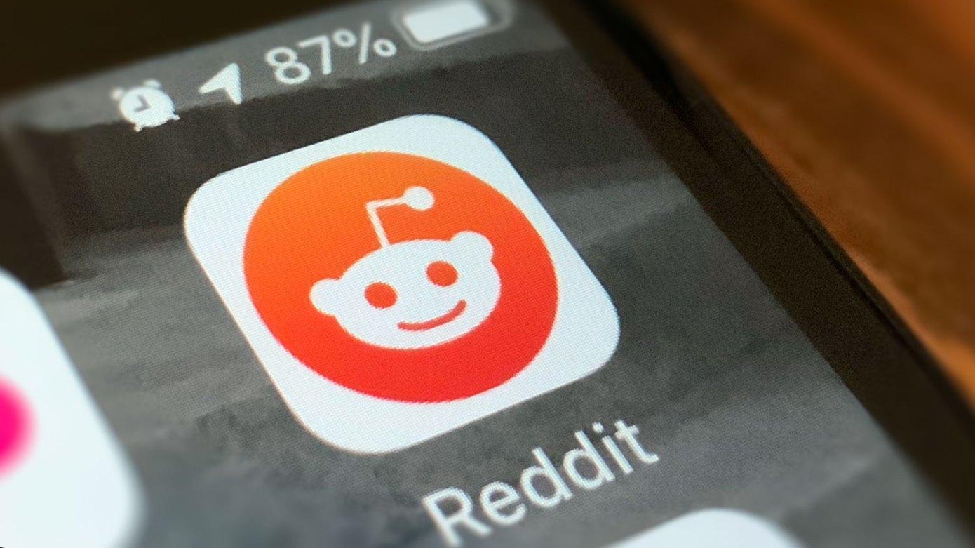 Reddit lets users share posts to Snapchat october social media news